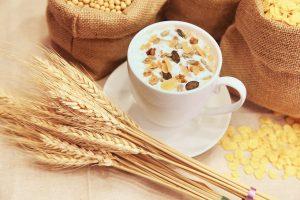 Germen de trigo y taza