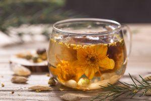 Aceite esencial de jazmín, bote de crista flores jazmín