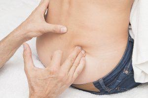 aceite de abedul aplicado por masaje